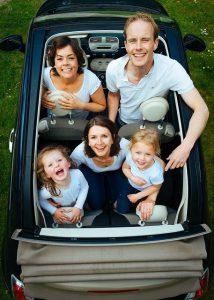 איך מתאימים רכב למשפחה מרובת ילדים?