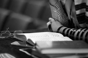 מזוזות מהודרות ועכשיו גם תפילין: אות והדר מרחיבים את מלאי תשמישי הקדושה