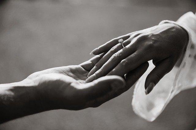 מנהגי חתונות