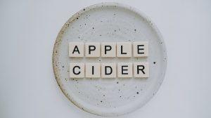 חומץ תפוחים: כל היתרונות והשימושים האפשריים למשפחה